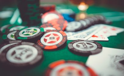 How to play the card game called Jackpot and what are its rules?